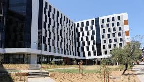 University of Canberra (UC)